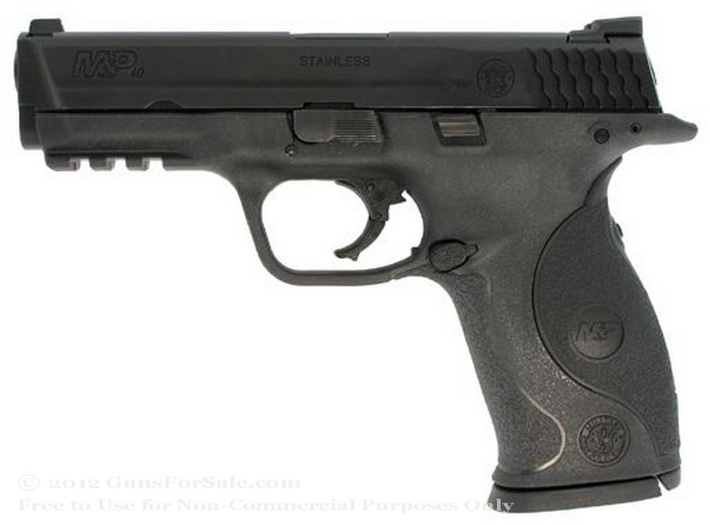 "Smith & Wesson M&P40 - Crimson Trace Lasergrip - 40 S&W - 15 Rd Magazine - 4.25"" Barrel - Fixed Sights"